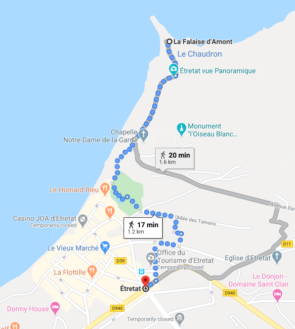 The afternoon hike takes you from the center to La Falaise d'Amont, in the North of Etretat.