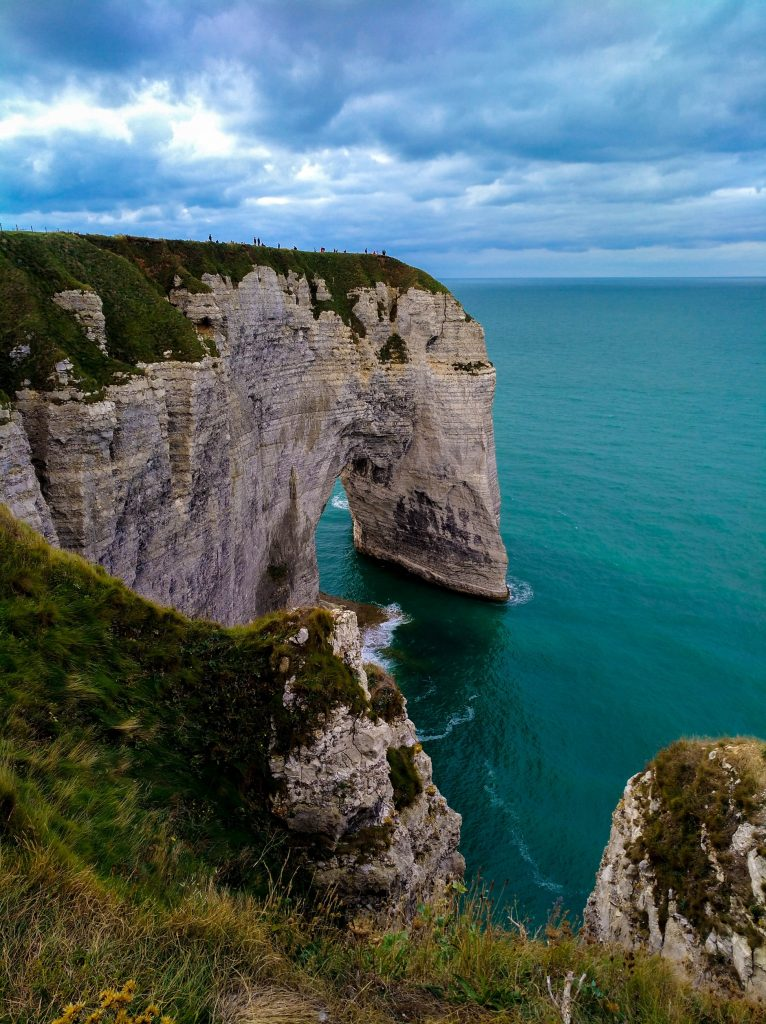 La Falaise Manneporte is one of the most impressive arches of Etretat. Picture from Antoine Petitteville