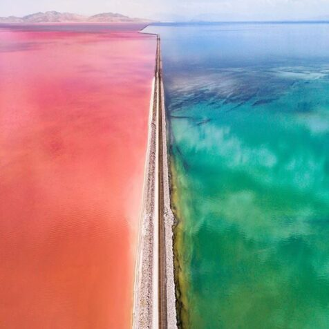 pink and blue bodies of water at day time
