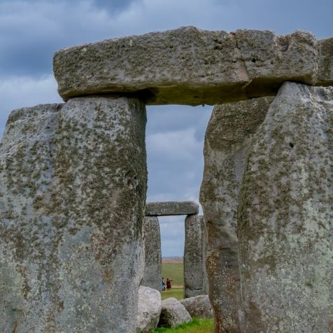 gray rock formation during daytime is stonhenge not in scotland